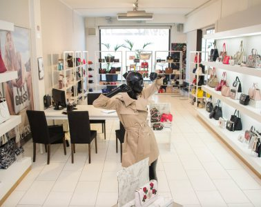live_showroom_mariano_pardi_fashion_guess