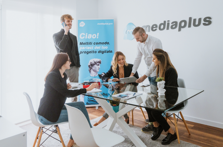 mediaplus_mirco_planamente_riunione_staff